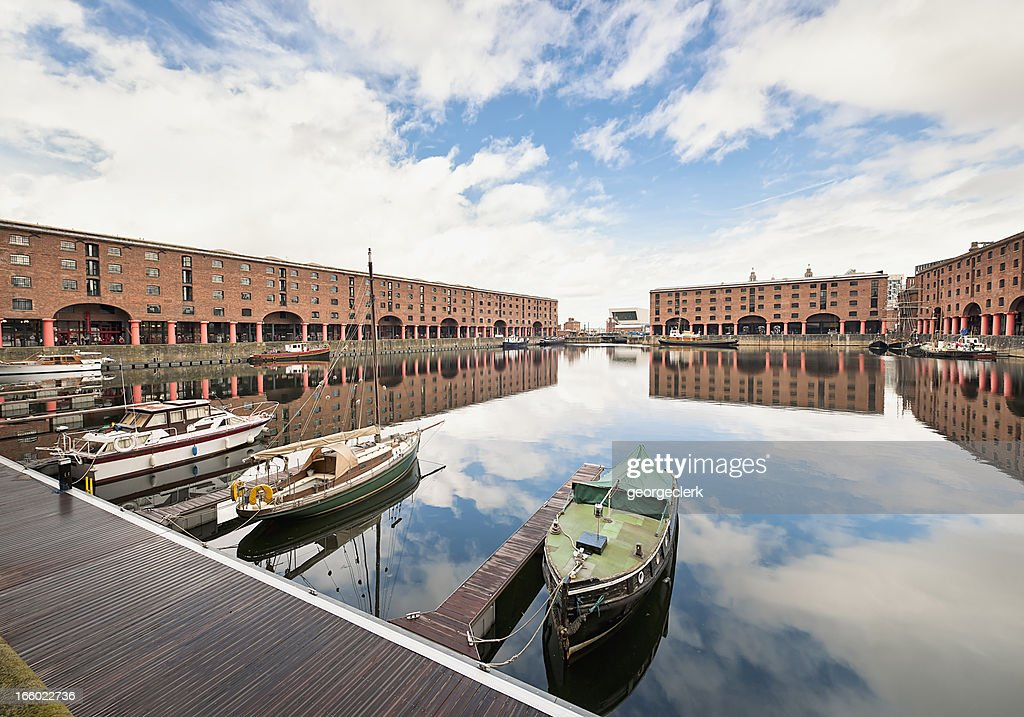 Albert Dock Reflections : Stock Photo