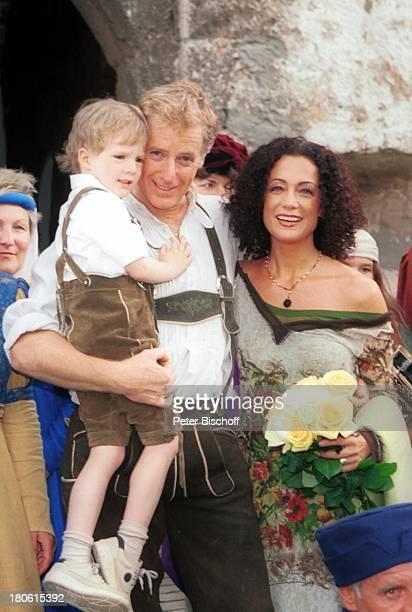 Albert Fortell Ehefrau Barbara Wussow Sohn Nikolaus Fortell VorabFeier zum 50 Geburtstag von Albert Fortell auf Burg Oberkapfenberg Kapfenberg...