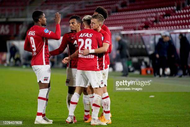 Albert Gudmundsson of AZ Alkmaar celebrates 2-0 with Myron Boadu of AZ Alkmaar, Jesper Karlsson of AZ Alkmaar, Owen Wijndal of AZ Alkmaar, Calvin...