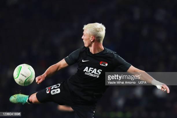 Albert Gudmundsson of AZ Alkmaar controls the ball during the UEFA Europa Conference League group D match between CFR Cluj and AZ Alkmaar at...