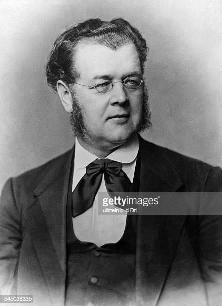 Albert Hofmann *18181880Verleger Theaterleiter DBegründer des Kladderadatsch Portrait 1928