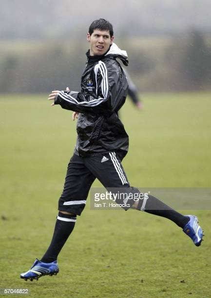 Albert Luque in action during training ahead of the Premiership tie away to Manchester United on Sunday on March 10 2006 in Newcastle Upon Tyne...