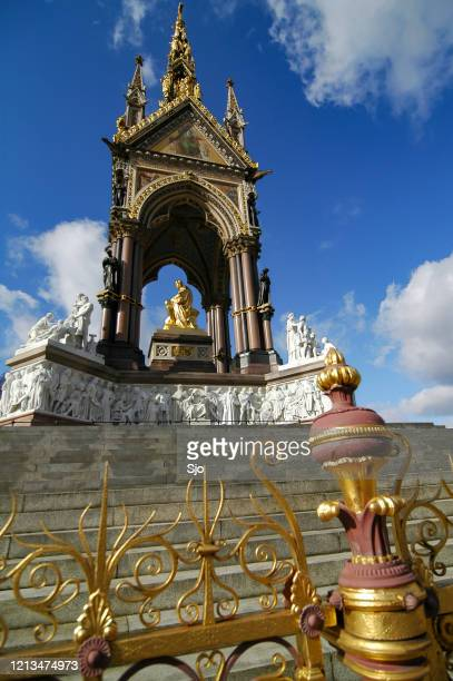 "albert memorial kensington gardens, london, england - ""sjoerd van der wal"" or ""sjo"" stock pictures, royalty-free photos & images"