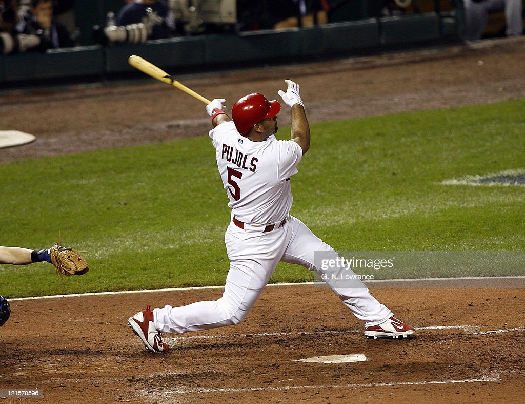 2006 NLCS - Game Five - New York Mets vs St. Louis Cardinals : News Photo