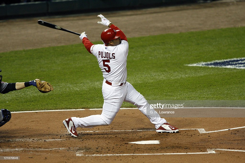 2006 NLCS - Game Four - New York Mets vs St. Louis Cardinals : News Photo