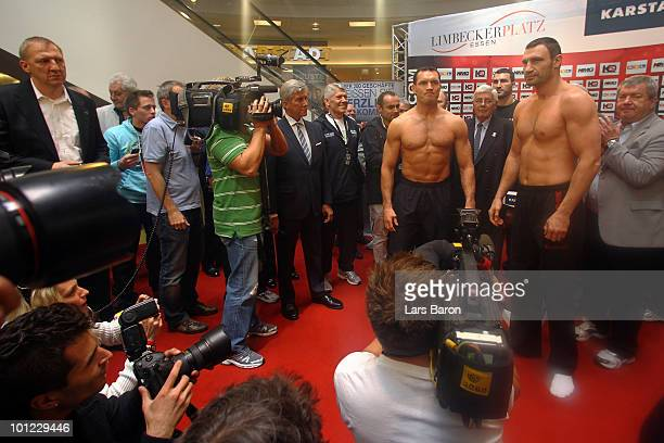 Albert Sosnowski of Poland and Vitali Klitschko of Ukraine pose during the weigh in at Limbecker Platz on May 28 2010 in Essen Germany The WBC...