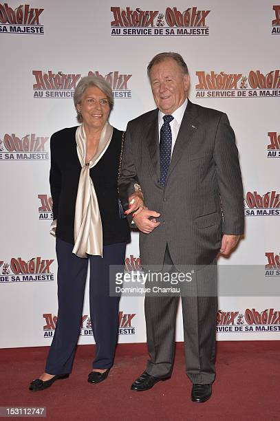 Albert Uderzo and his wife attend 'Asterix Obelix Au Service De Sa Majeste' at Le Grand Rex on September 30 2012 in Paris France