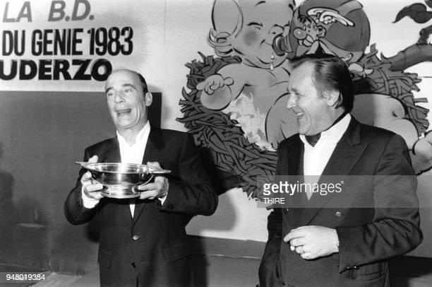 Albert Uderzo le créateur d'Astérix a reçu des mains du fantaisiste Bernard Haller le Prix du Génie 1983 pour l'ensemble de son oeuvre le 5 novembre...