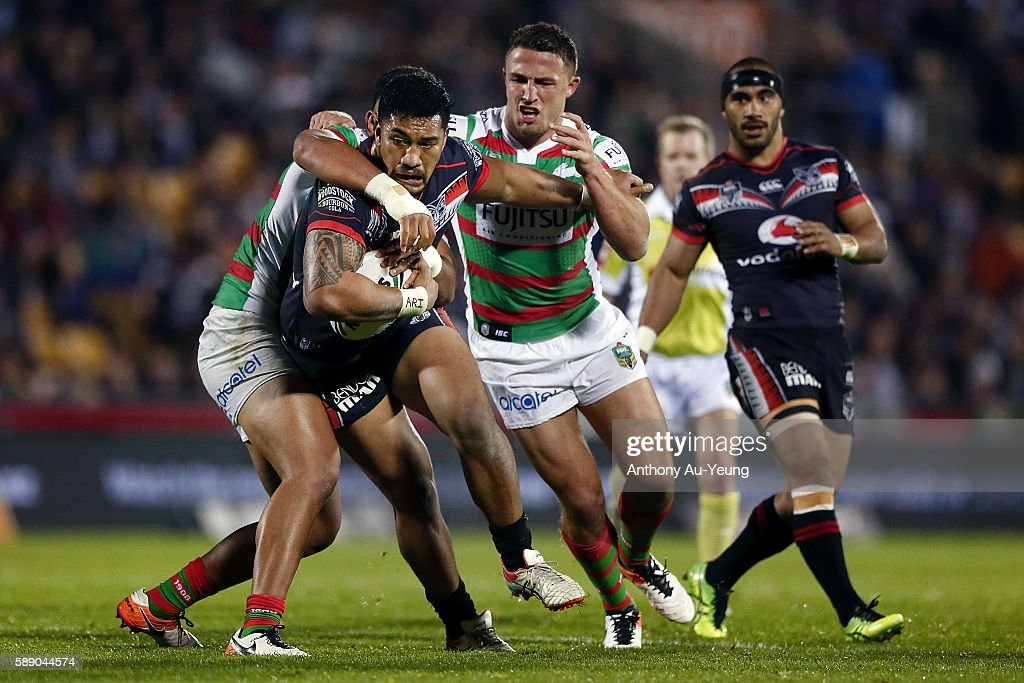 Albert Vete of the Warriors on the charge during the round 23 NRL match between the New Zealand Warriors and the South Sydney Rabbitohs at Mount Smart Stadium on August 13, 2016 in Auckland, New Zealand.