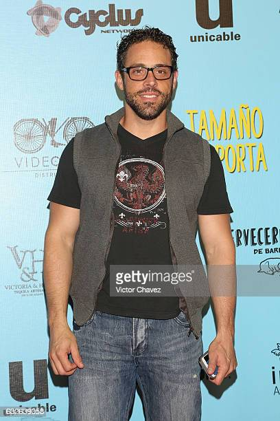 Alberto Agnesi attends the 'El Tamano Si Importa' Mexico City premiere red carpet at Cinepolis Oasis Coyoacan on January 24 2017 in Mexico City Mexico