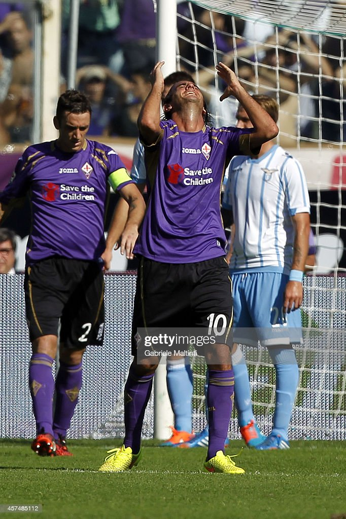 Alberto Aquilani of ACF Fiorentina shows his dejection during the Serie A match between ACF Fiorentina and SS Lazio at Stadio Artemio Franchi on October 19, 2014 in Florence, Italy.