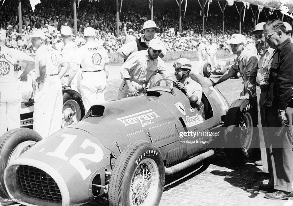 Alberto Ascari at the wheel of a 4.5 litre Ferrari, Indianapolis, 1952. : News Photo