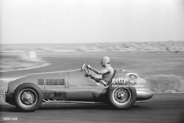 Alberto Ascari cornering in his Ferrari 125/F1 during the International Daily Express Trophy Race at Silverstone 20th August 1949 He won the final...