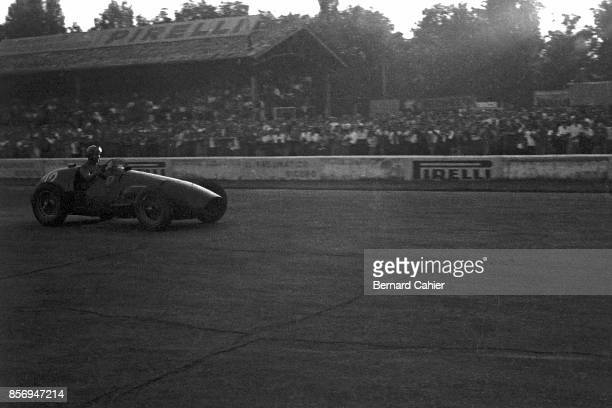 Alberto Ascari, Ferrari 500, Grand Prix of Italy, Autodromo Nazionale Monza, 07 September 1952. Alberto Ascari on his way to winning the 1952 Italian...