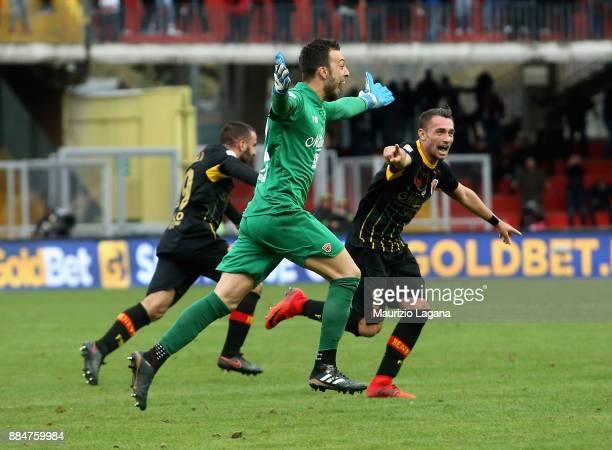 Alberto Brignoli of Benevento celebrates the equalizing goal the Serie A match between Benevento Calcio and AC Milan at Stadio Ciro Vigorito on...
