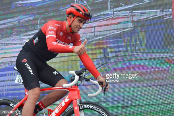 Alberto CONTADOR from Trek Sugafredo at the team presentation ahead of the start to his last competition the 1st TDF Shanghai Criterium 2017 On...