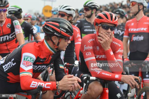 Alberto CONTADOR from Trek Sugafredo chats with Stephen Roche from BMC Team ahead of the start to his last competition the 1st TDF Shanghai Criterium...