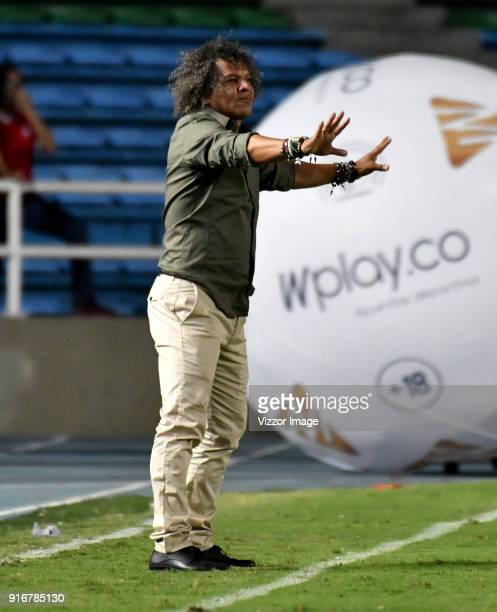 Alberto Gamero coach of Deportes Tolima gestures during a match between America de Cali and Deportes Tolima as part of Liga Aguila I 2018 at Pascual...