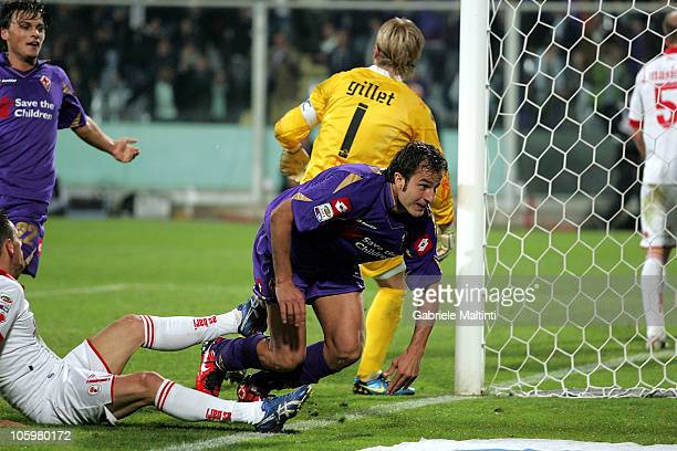 Alberto Gilardino of ACF Fiorentina celebrates after scoring a goal during the Serie A match between ACF Fiorentina and AS Bari at Stadio Artemio...