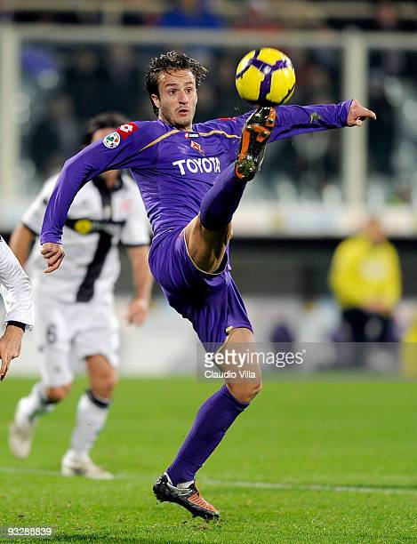 Alberto Gilardino of ACF Fiorentina in action during the Serie A match between Fiorentina and Parma at Stadio Artemio Franchi on November 21 2009 in...