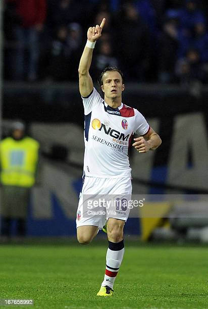 Alberto Gilardino of Bologna FC celebrates scoring the first goal during the Serie A match between Atalanta BC and Bologna FC at Stadio Atleti...