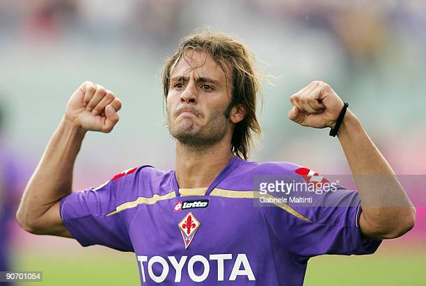 Alberto Gilardino of Fiorentina celebrates after scoring a goal during the Serie A match between Fiorentina and Cagliari at Stadio Artemio Franchi on...