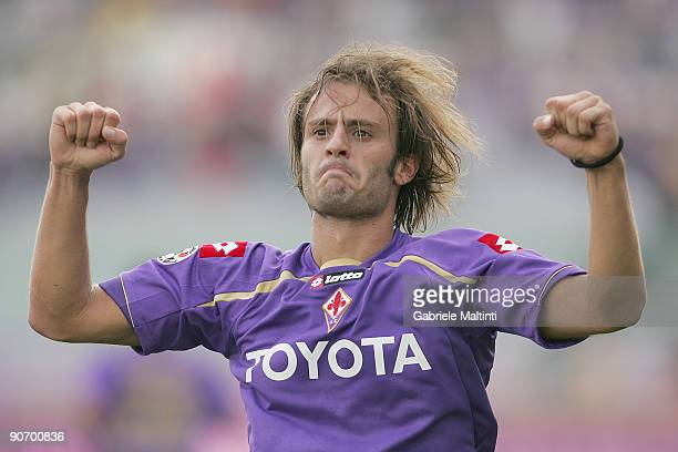 Alberto Gilardino of Fiorentina celebrates after scoring the opening goal during the Serie A match between Fiorentina and Cagliari at Stadio Artemio...