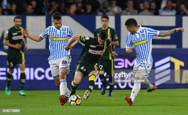 Alberto Grassi of Spal competes for the ball whit Manuel Pucciarelli AC Chievo Verona during the serie A match between Spal and AC Chievo Verona at...