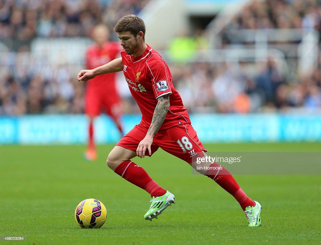 Newcastle v Liverpool - Premier League : News Photo