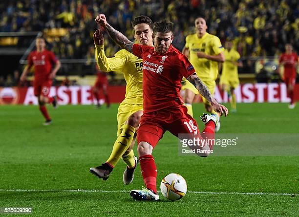 Alberto Moreno of Liverpool misses chance during the UEFA Europa League semi final first leg match between Villarreal CF and Liverpool at Estadio El...