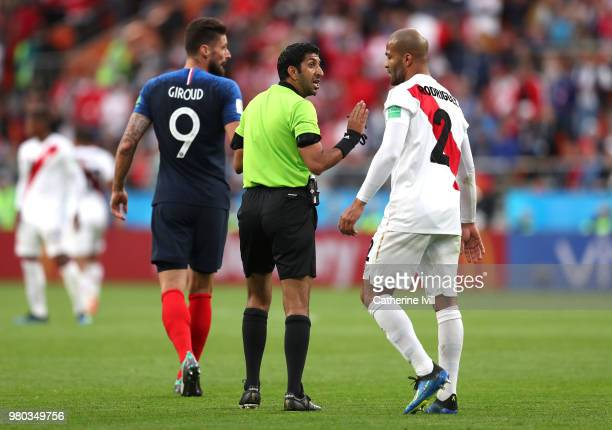 Alberto Rodriguez of Peru argues with Referee Mohammed Abdulla Mohamed during the 2018 FIFA World Cup Russia group C match between France and Peru at...