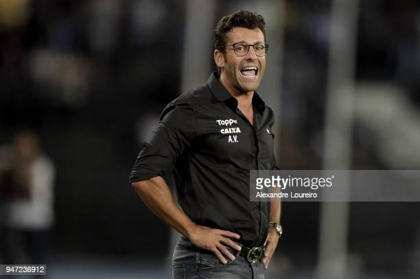Alberto Valentim head coach of Botafogo reacts during the match between Botafogo and Palmeiras as part of Brasileirao Series A 2018 at Engenhao...