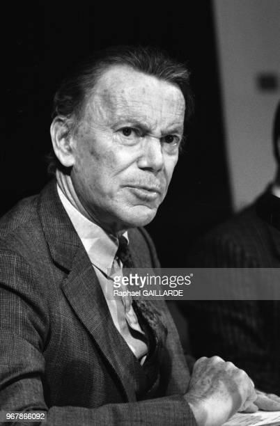 Albin Chalandon garde des sceaux lors d'une conférence de presse à Paris le 29 septembre 1987 France