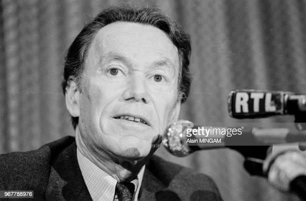 Albin Chalandon président de ElfAquitaine donne une conférence de presse à Paris le 28 janvier 1981 France