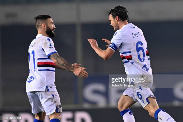 Albin Ekdal of Sampdoria celebrates after scoring the opening goal during the Serie A match between Hellas Verona FC and UC Sampdoria at Stadio...