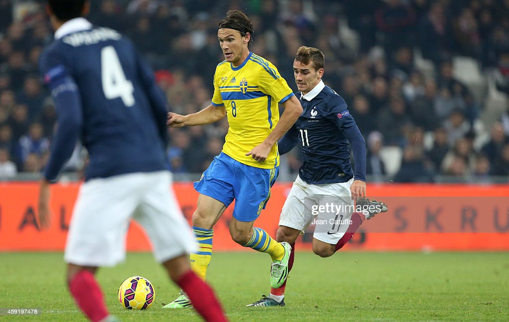 Albin Ekdal of Sweden and Antoine Griezmann of France in action during the international friendly match between France and Sweden at the Stade Velodrome on November 18, 2014 in Marseille, France.