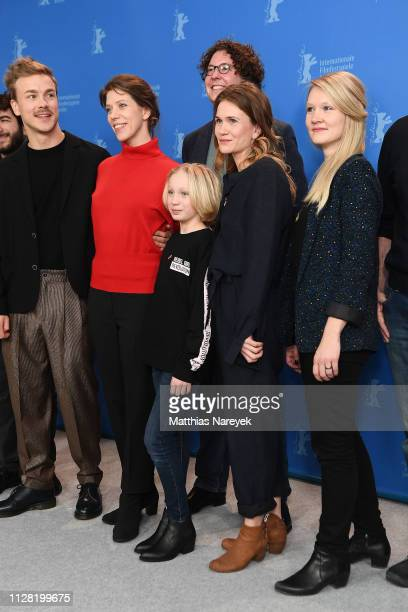 Albrecht Schuch Nora Fingscheidt Jonas Weydemann Helena Zengel Lisa Hagmeister and Frauke Kolbmueller pose at the System Crasher photocall during the...