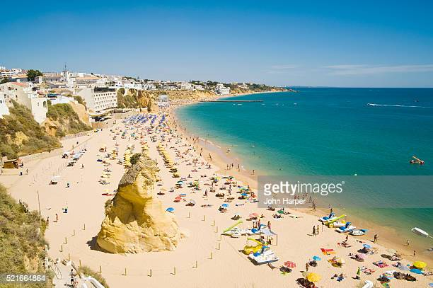 albufeira beach, algarve, portugal - albufeira stock pictures, royalty-free photos & images