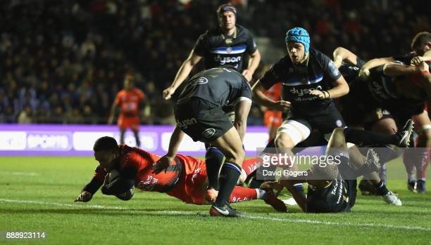 Alby Mathewson of Toulon scores their second try during the European Rugby Champions Cup match between RC Toulon and Bath Rugby at Stade Felix Mayol...