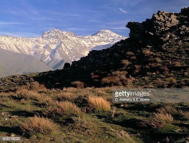 alcazaba and mulhacen summits in spain - alamany fotografías e imágenes de stock