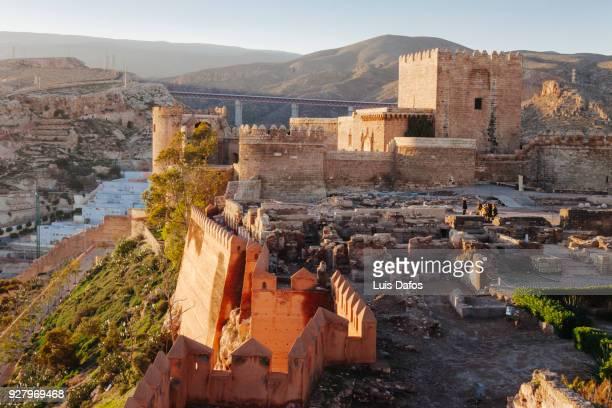 alcazaba of almeria - moruno fotografías e imágenes de stock