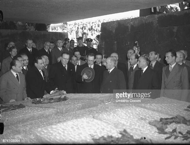 Alcide De Gasperi at the remembrance for the 'Fosse Ardeatine massacre' in Rome 1949
