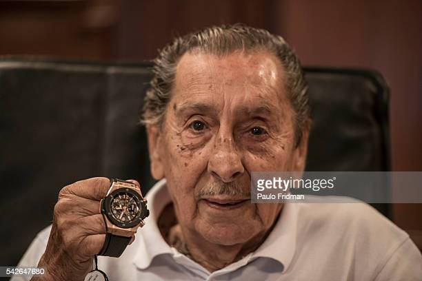 Alcides Edgardo GHIGGIA know for the goal that gave Uruguay the soccer championship in 1950 Brazil showing the watch that was given to him a s a gift...