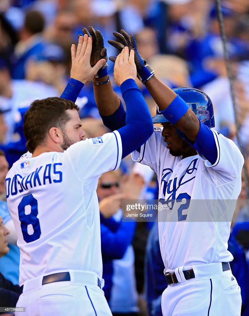 ALCS - Baltimore Orioles v Kansas City Royals - Game Four : News Photo