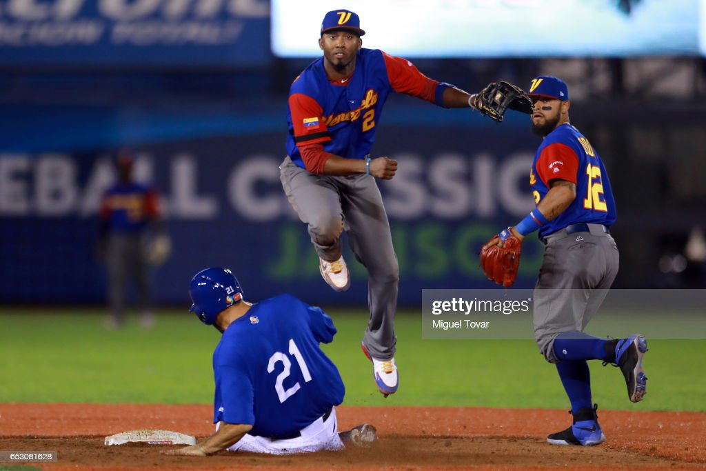 World Baseball Classic - Pool D - Game 7 - Venezuela v Italy