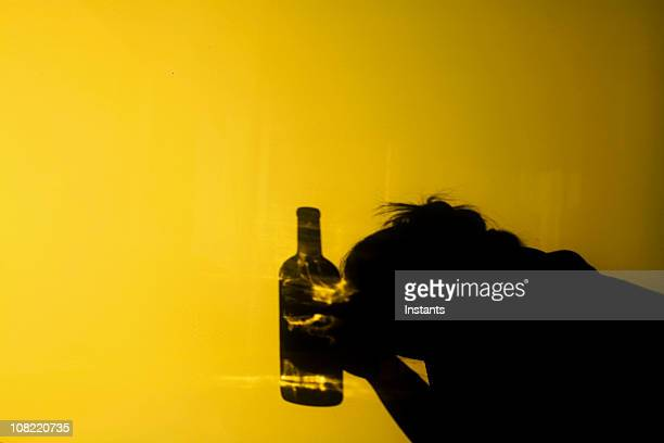 alcoholism - verslaving stockfoto's en -beelden