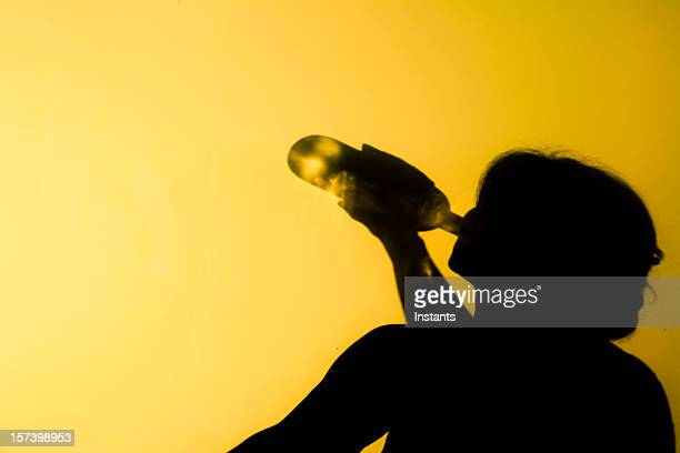 alcoholism - alcohol abuse stock pictures, royalty-free photos & images