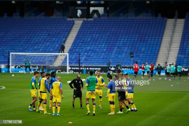 Alcorcon warms up prior the La Liga Smartbank match between RCD Espanyol and AD Alcorcon at RCDE Stadium on October 10, 2020 in Barcelona, Spain.