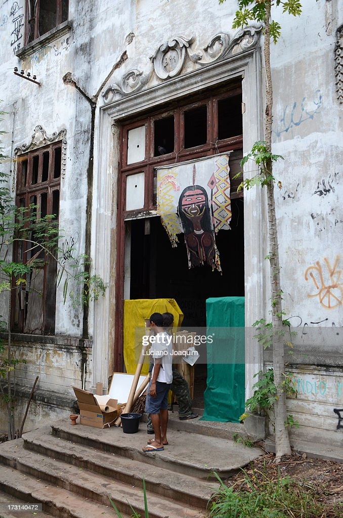 Aldeia Maracanã - Building Entrance : News Photo