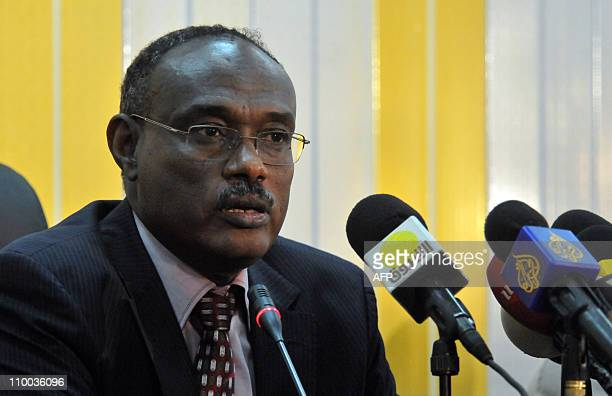 AlDirdiri Mohammed Ahmed the National Congress Party's chief negotiator on Abyei speaks during a press conference in the Sudanese capital Khartoum on...